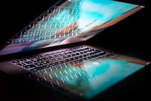 Laptop mit Daten